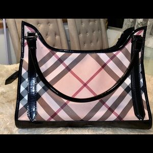 Genuine Burberry Purse lightly worn with dust bag!